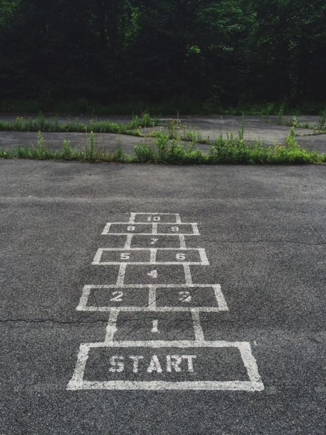 hopscotch game with the word 'START'